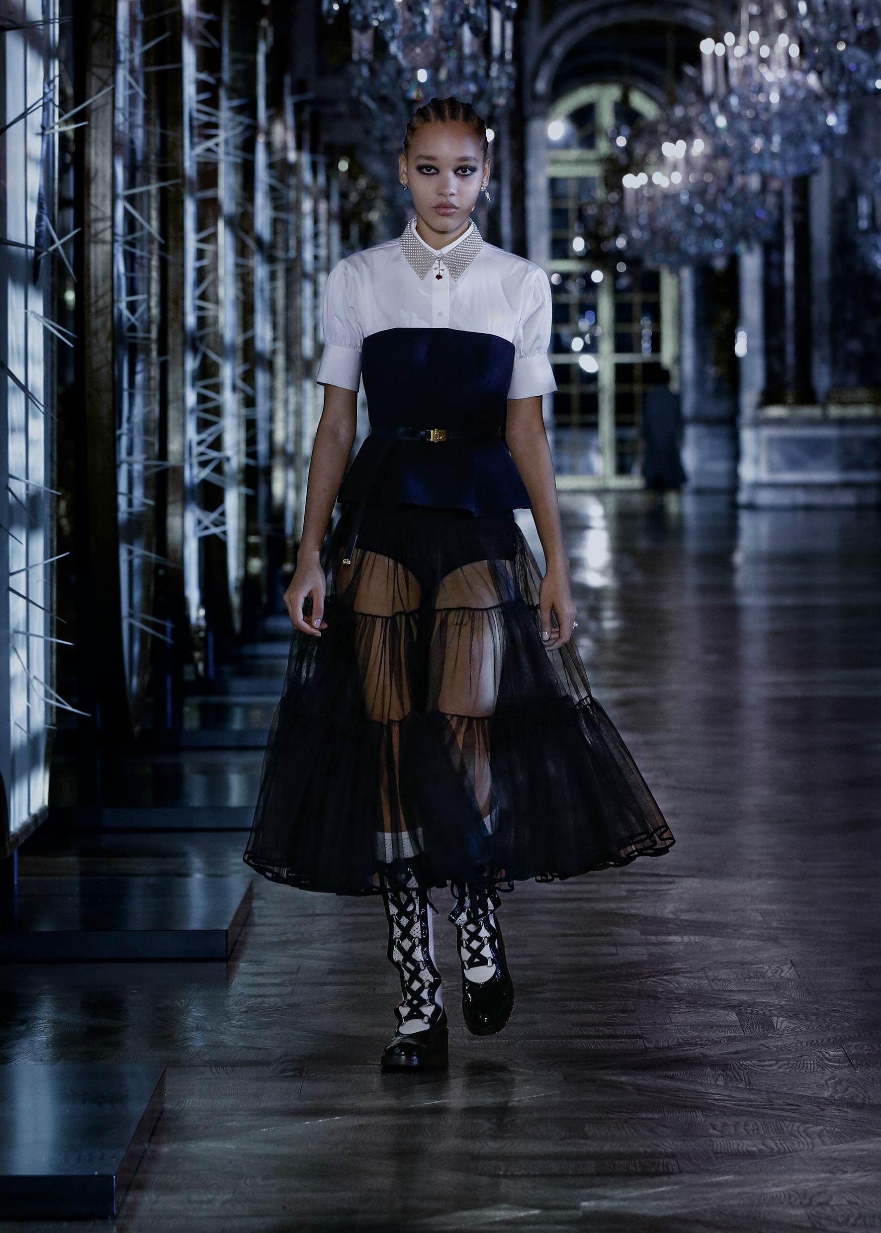 Maria Grazia Chiuri explores the world of fairy tales for Dior's new collection (фото 5)