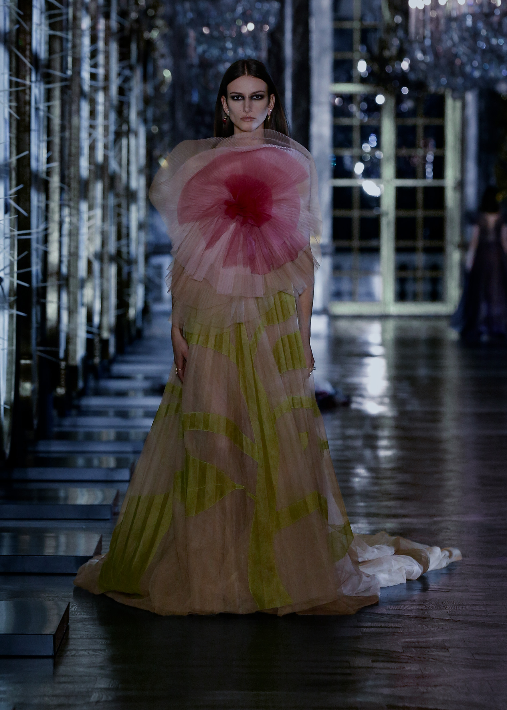 Maria Grazia Chiuri explores the world of fairy tales for Dior's new collection (фото 12)