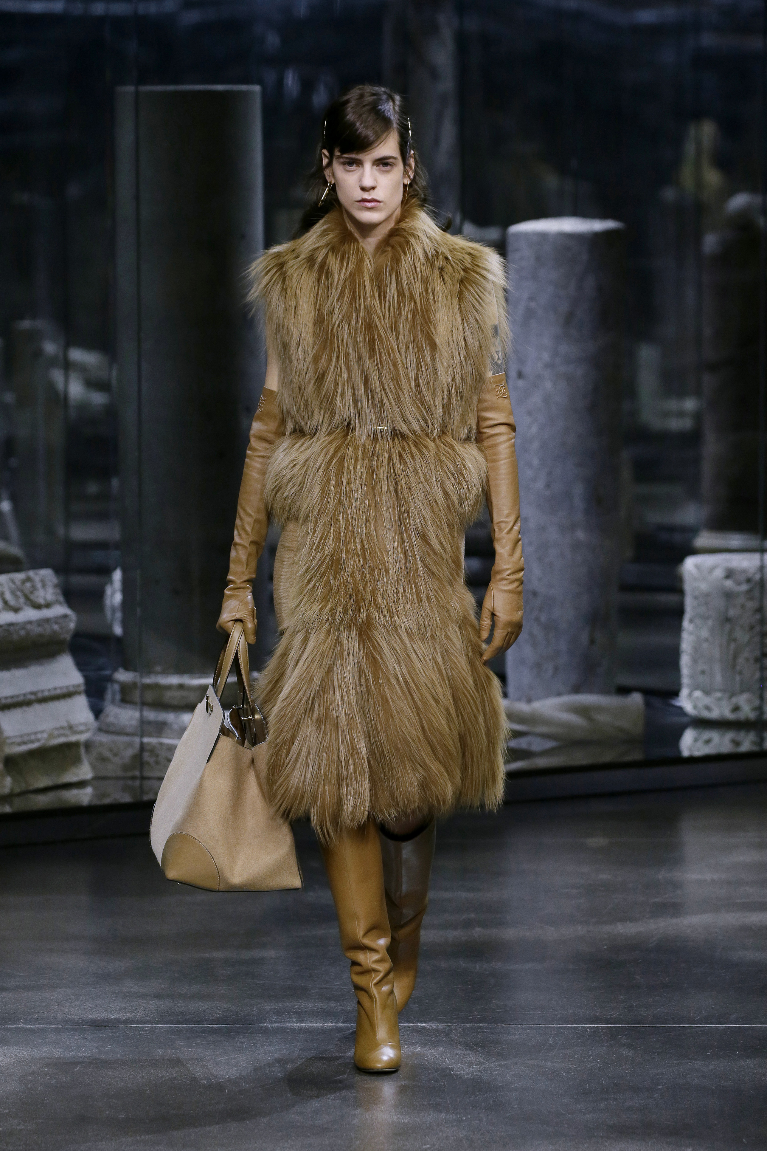 Kim Jones crafts a very wearable collection for Fendi (фото 9)