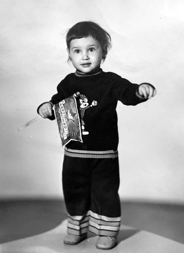 Анна Саакян в детстве